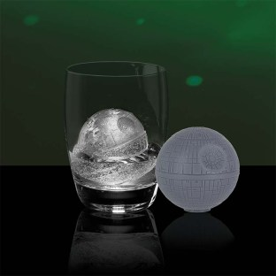 PP3424SW_Death_Star_Ice_Mould_Lifestyle_800x800-800x800
