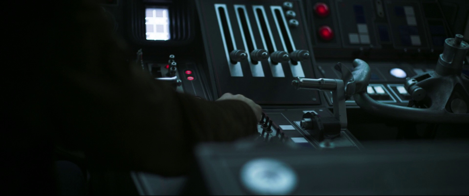 Solo-A-Star-Wars-Story-Trailer-Analysis-Falcon-Controls-Future-of-the-Force