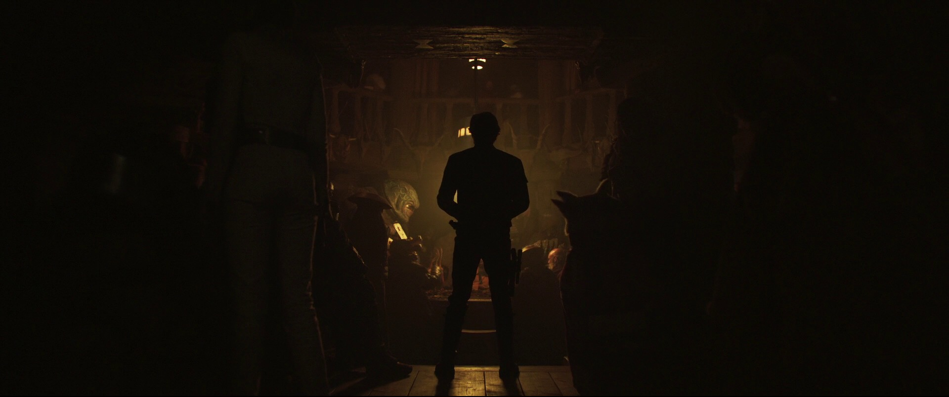 Solo-A-Star-Wars-Story-Trailer-Analysis-Solo-Arrives-At-The-Cantina-Future-of-the-Force