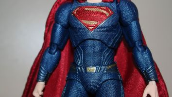 Review Mafex Superman 7
