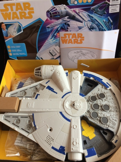Hasbro-Solo-Millennium-Falcon-Review