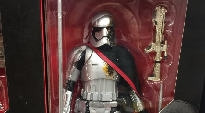 Star Wars: The Black Series Toys R Us Exclusive Captain Phasma (Quicksilver Baton) Spotted