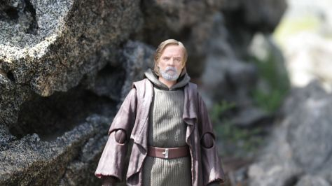 Luke Skywalker-Figuarts-Review-23