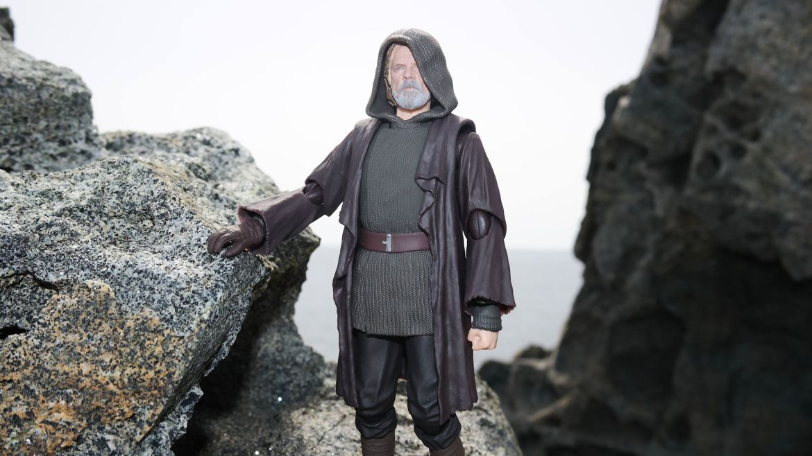 Luke Skywalker-Figuarts-Review-7