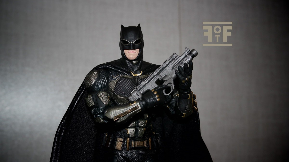 Justice League Review | Batman Tactical Suit MAFEX