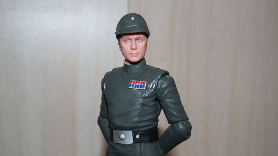 Black-Series-Admiral-Piett-Review-13