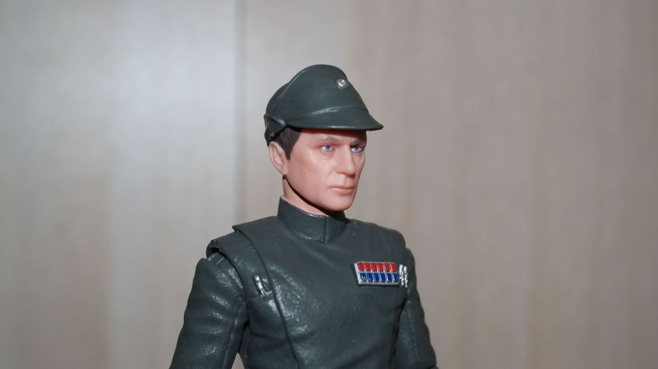 Hasbro-Black-Series-Admiral-Piett-Review