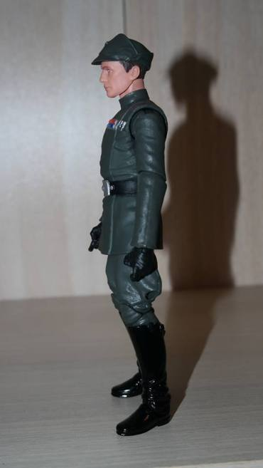 Black-Series-Admiral-Piett-Review-5