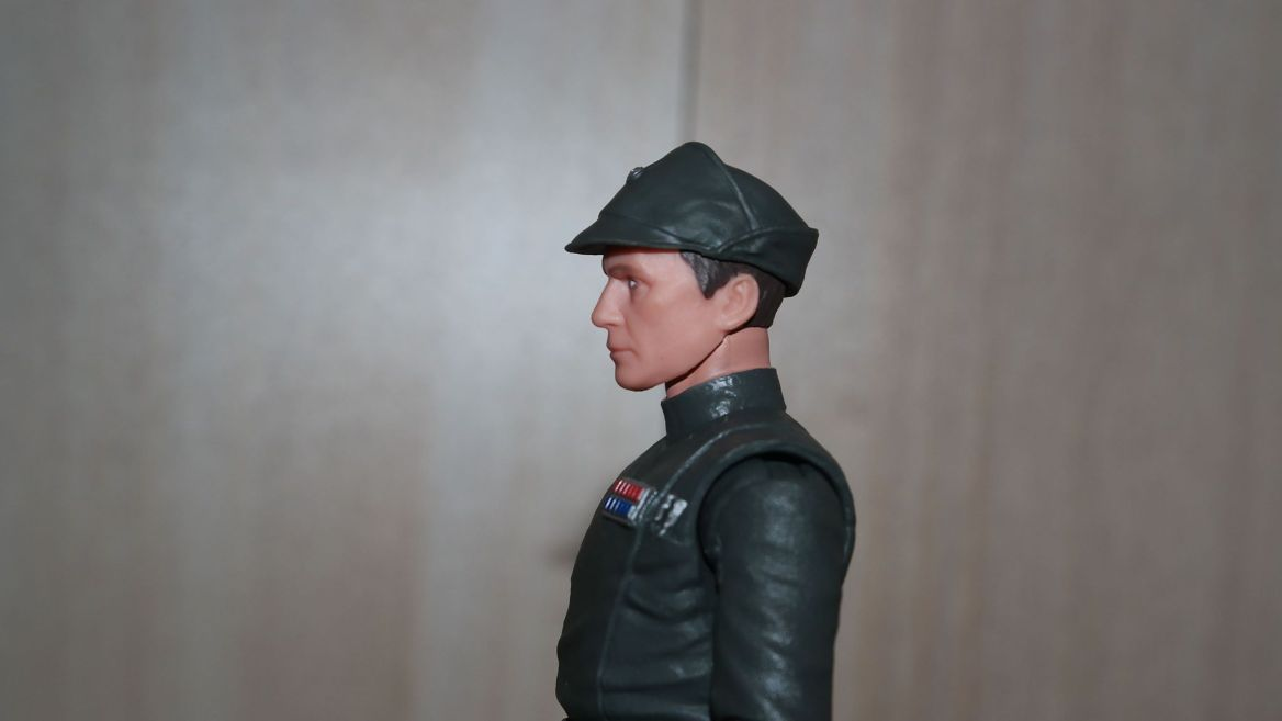 Black-Series-Admiral-Piett-Review-8