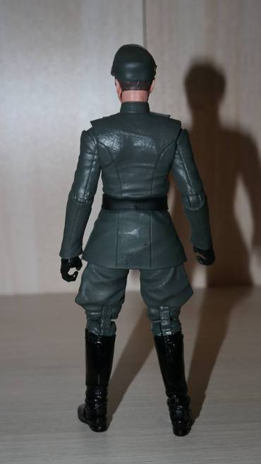 Black-Series-Admiral-Piett-Review-9