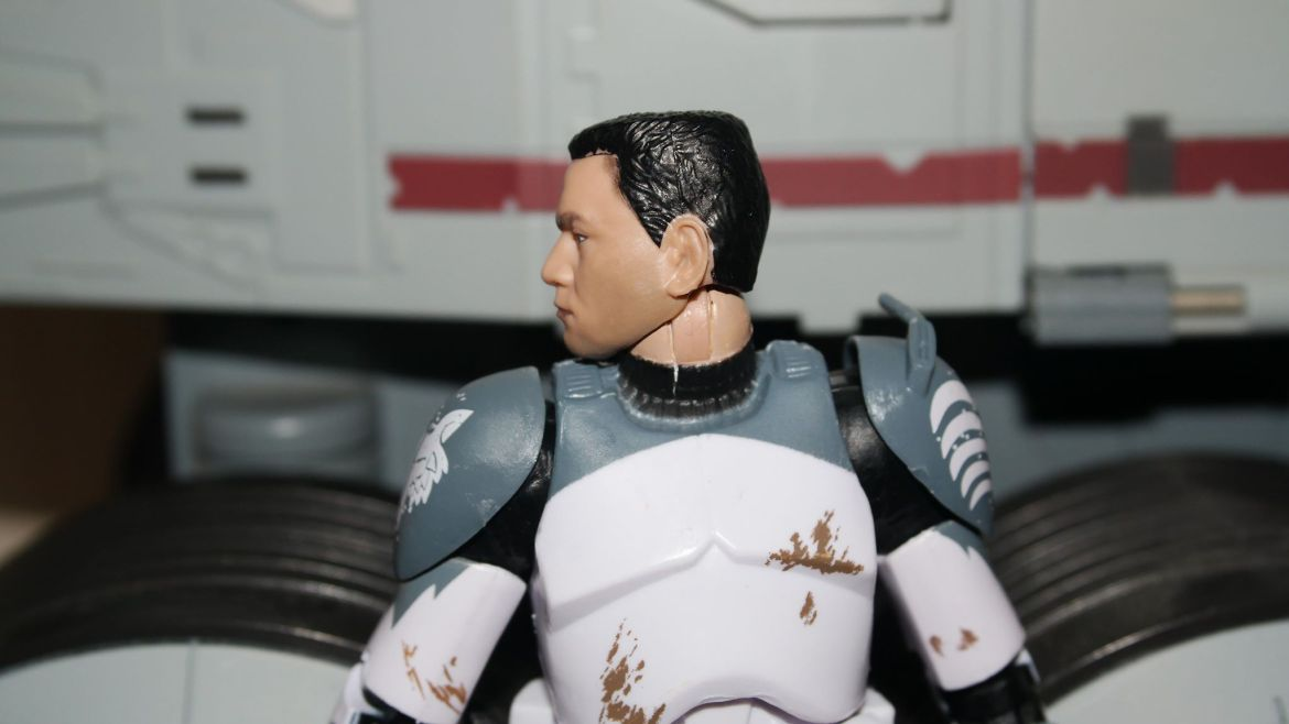 Black-Series-Clone-Commander-Wolffe-Review-11