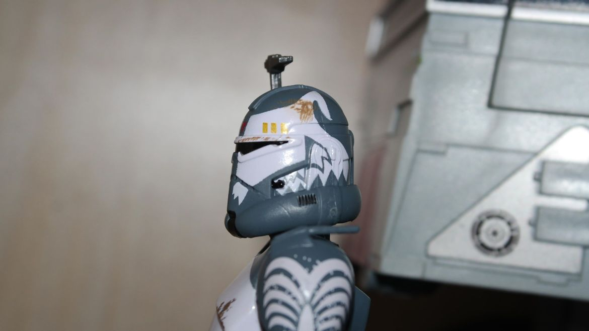 Black-Series-Clone-Commander-Wolffe-Review-14