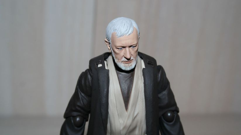Obi-Wan-Kenobi-Figuarts-Review-11