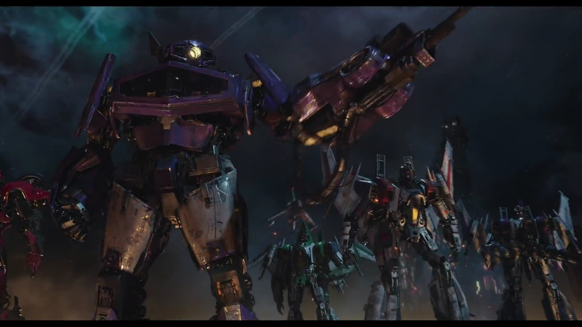 The REAL Optimus Prime Battles Soundwave and Ravage in the new Bumblebee Trailer