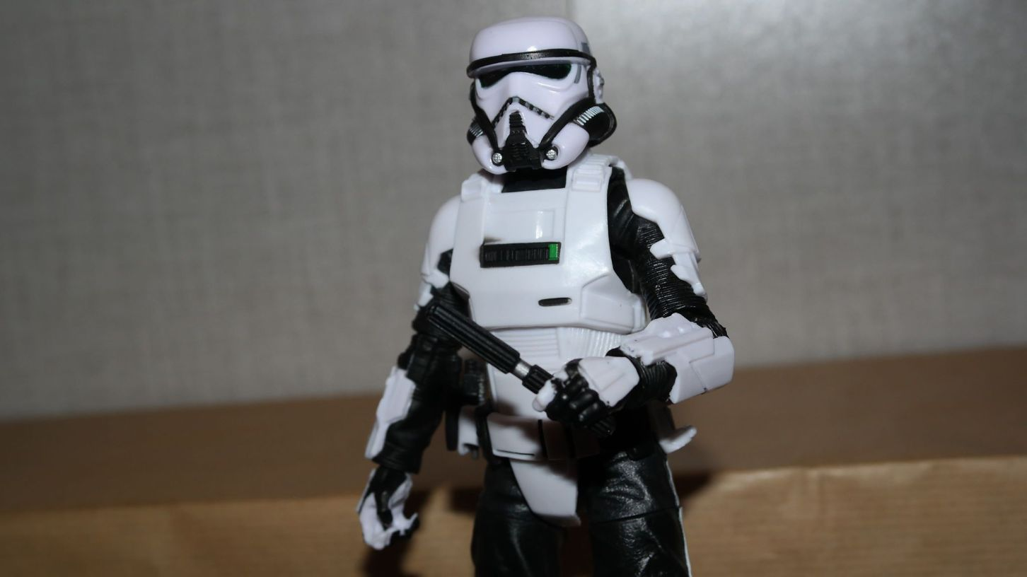 Black-Series-Imperial-Patrol-Trooper-Review-6