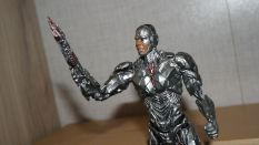 MAFEX-Cyborg-Justice-League-Review-1