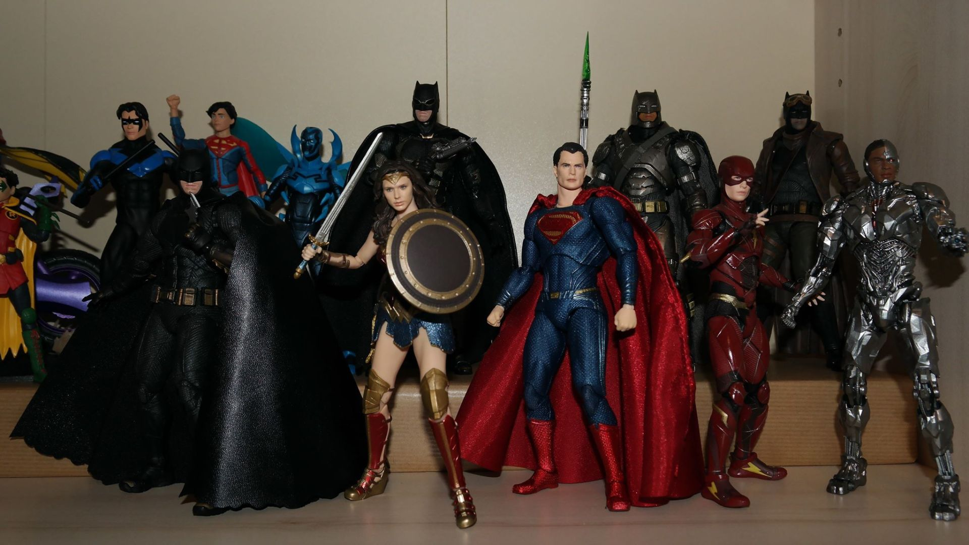 MAFEX-Cyborg-Justice-League-Review-19
