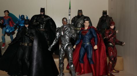MAFEX-Cyborg-Justice-League-Review-20