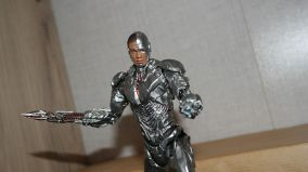MAFEX-Cyborg-Justice-League-Review-8