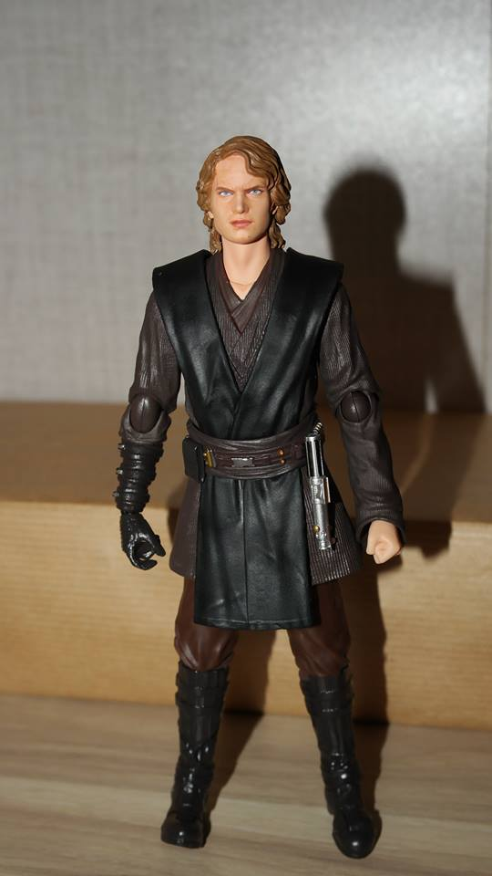 SH-Figuarts-Anakin-Skywalker-Review-16