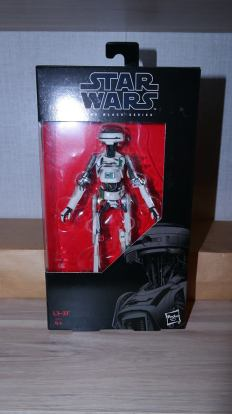 Star-Wars-Black-Series-L3-37-Review-2