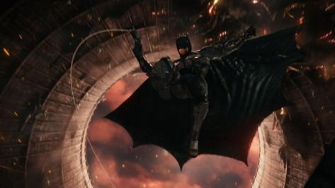 Batman-Tactical-Suit-Justice-League