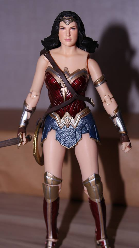 FOTF Mafex Medicom Wonder Woman Review 11