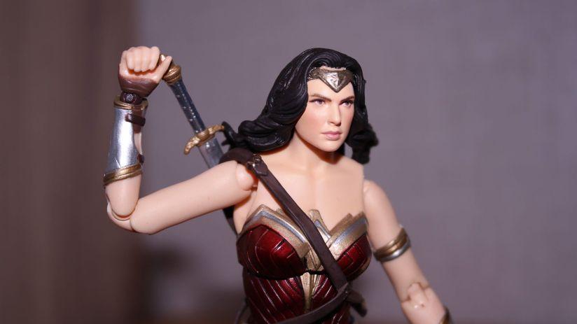 Justice League Review | Wonder Woman MAFEX (Medicom Toys)