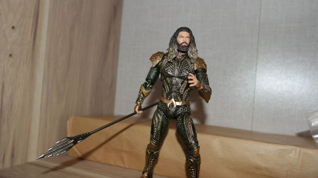 Mafex-Aquaman-Justice-League-Review-5