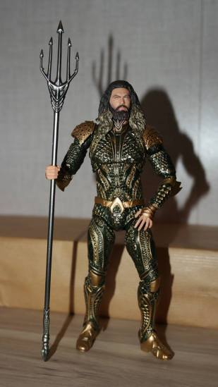 Mafex-Aquaman-Justice-League-Review-7
