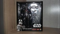 Star-Wars-Mafex-Captain-Phasma-Review-2