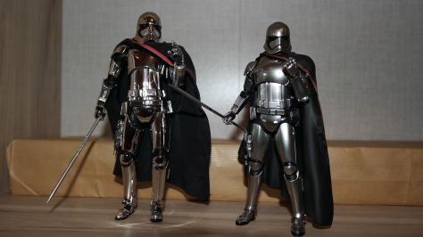 Star-Wars-Mafex-Captain-Phasma-Review-5