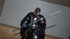 Star-Wars-Mafex-Captain-Phasma-Review-7