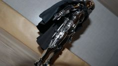 Star-Wars-Mafex-Captain-Phasma-Review-8
