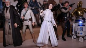 SH-Figuarts-Star-Wars-Princess-Leia-Organa-A-New-Hope-Review-10