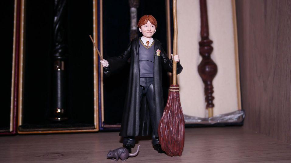 FOTF S.H Figuarts Harry Potter Ron Weasley Review 7