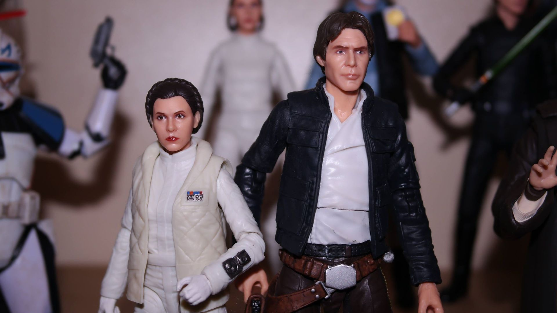 FOTF Star Wars Black Series Princess Leia (Hoth) Review 3