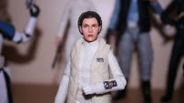 FOTF Star Wars Black Series Princess Leia (Hoth) Review 6