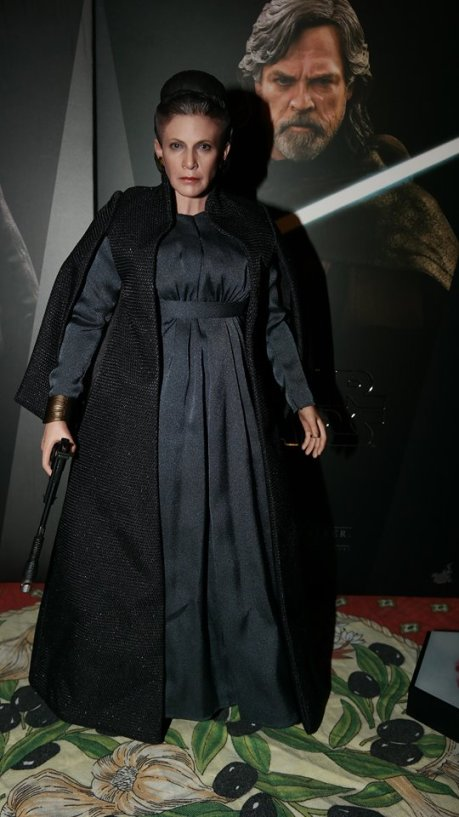 hot toys general leia organa review 19