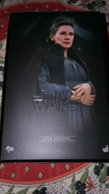 hot toys general leia organa review 2