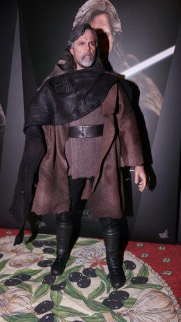 Hot Toys Luke Skywalker Review 21