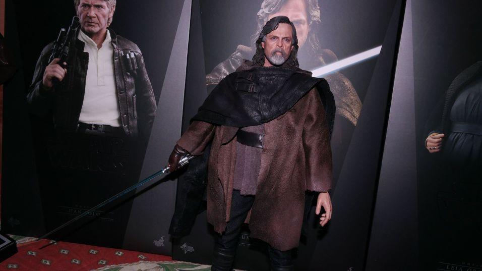 Hot Toys Luke Skywalker Review 23