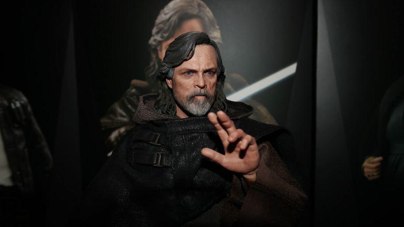 Hot Toys Review | Luke Skywalker - Star Wars: The Last Jedi (Deluxe Version) MMS458