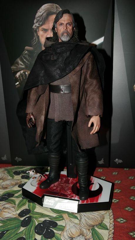 Hot Toys Luke Skywalker Review 38
