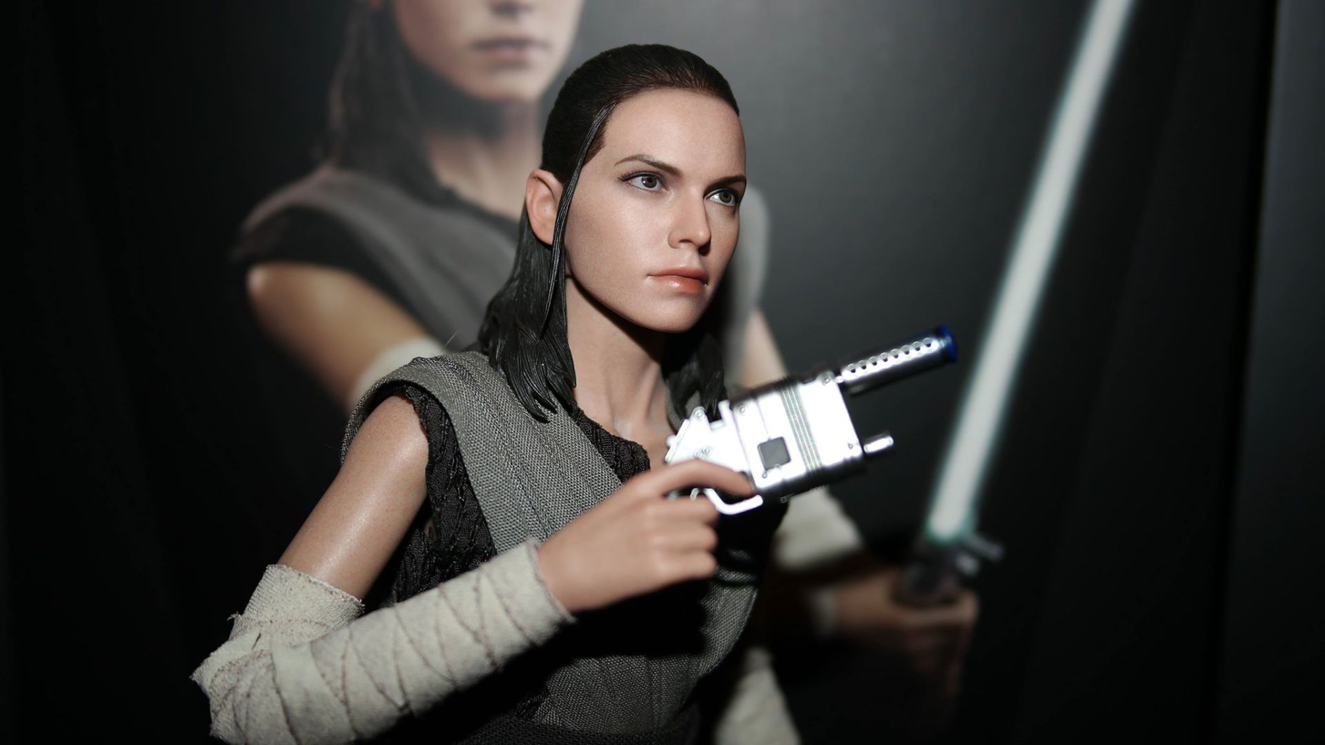 Star Wars Hot Toys Rey (Jedi Training) Review 16