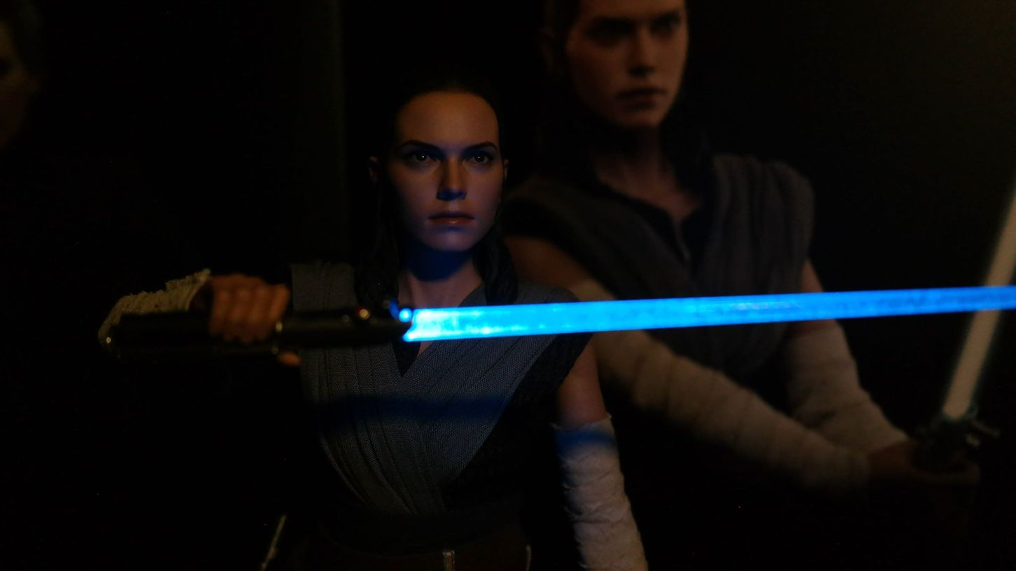Star Wars Hot Toys Rey (Jedi Training) Review 3