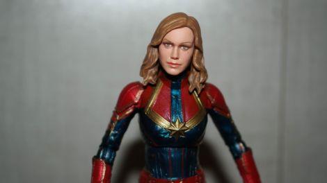 Marvel-Legends-Captain-Marvel-Review-5