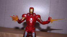 Marvel-Legends-Iron-Man-Review-2