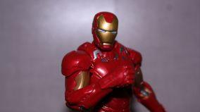 Marvel-Legends-Iron-Man-Review-3