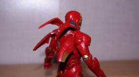 Marvel-Legends-Iron-Man-Review-4